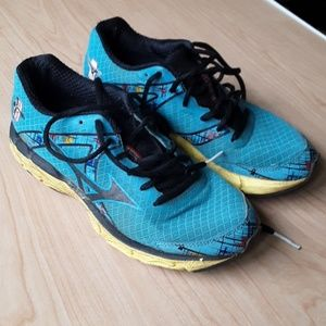 Brooks Wave 10 running shoes